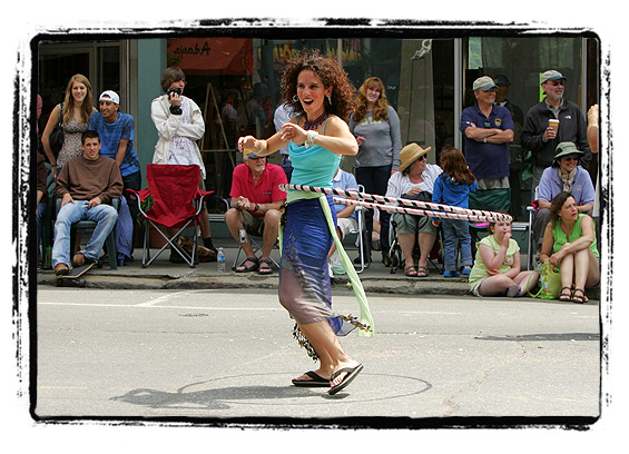 Strolling of the Heifers 2008 — Sometimes I wish I were more skilled with the hula-hoop.